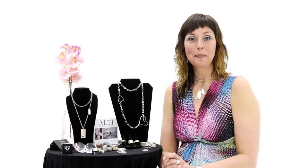 Alti tillverkar unika och handgjorda smycket för alla