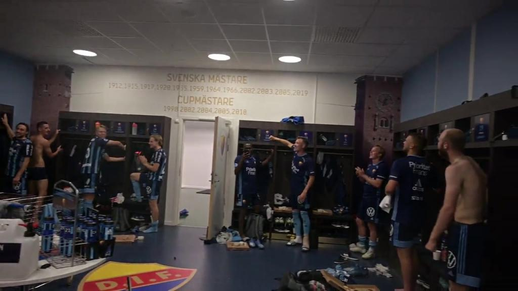 Segerfirandet efter matchen mot Kalmar FF