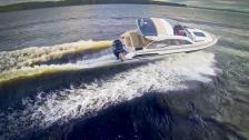 Flipper 880 ST - full fart med ny frän finsk familjefraktare