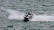 Kisspaus på ett upprört Ålands hav och landning på Kökar