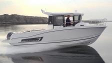 Merry Fisher 795 – hyttbåt på flytande franska