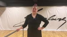 Balettövningar vid stången och på golvet