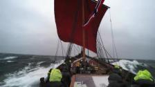 Vikingaskepp surfar i 14 knop!